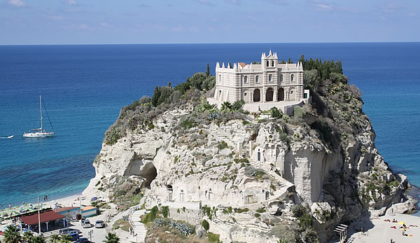 About Calabria - Conte Ruggiero School in Calabria South Italy